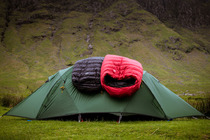 Minimus Down Sleeping bag (black) with Minim Overbag (red)